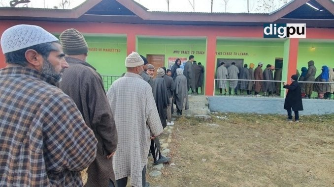 With DDC Elections 2020 exit polls prohibited, J&K records 39.34% voting till 1 PM -Digpu