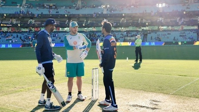 Before the toss, Finch has small get together with Pandya, Chahal_ Ind vs Aus- Digpu