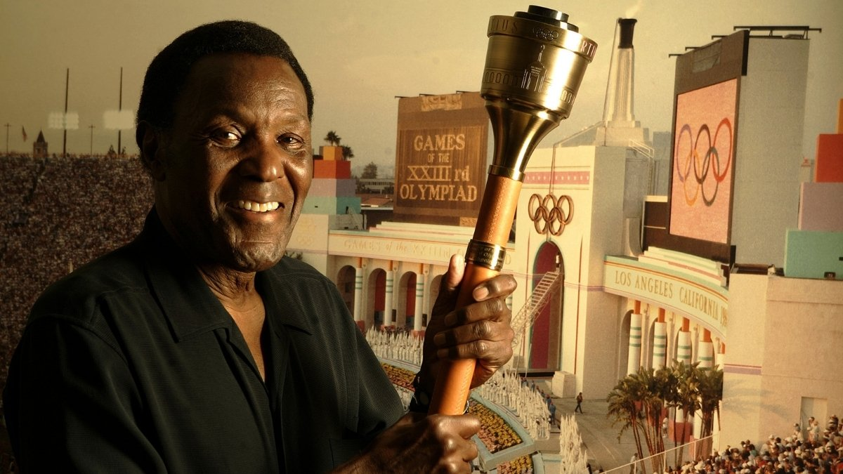Rafer Johnson First Black captain of US Olympic Team passes away - Digpu