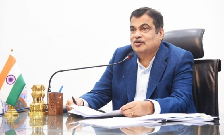 Nitin Gadkari introduced 'Vedic Paint' to boost the rural economy- Digpu