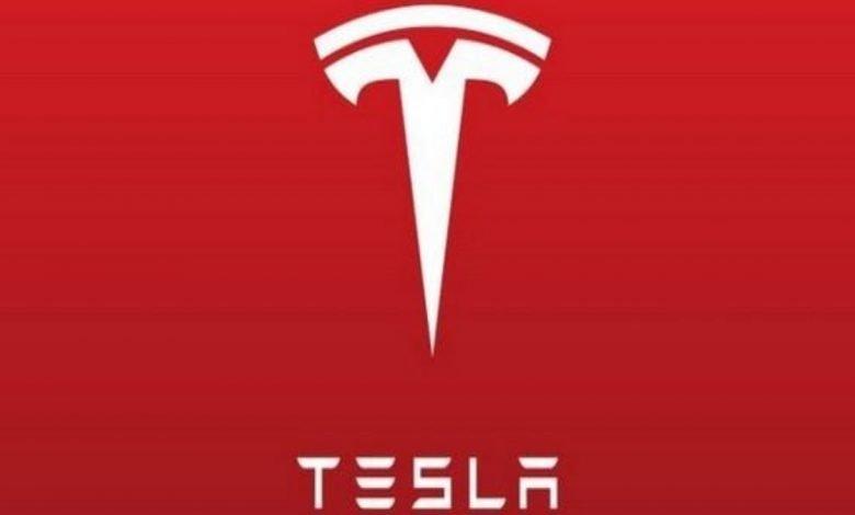 Tesla sued former employees for stealing company information