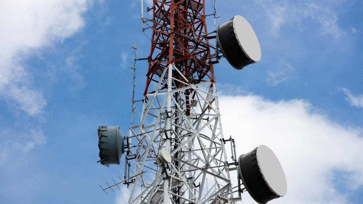 Jio & Airtel continue to grow on higher tariff, more subscribers