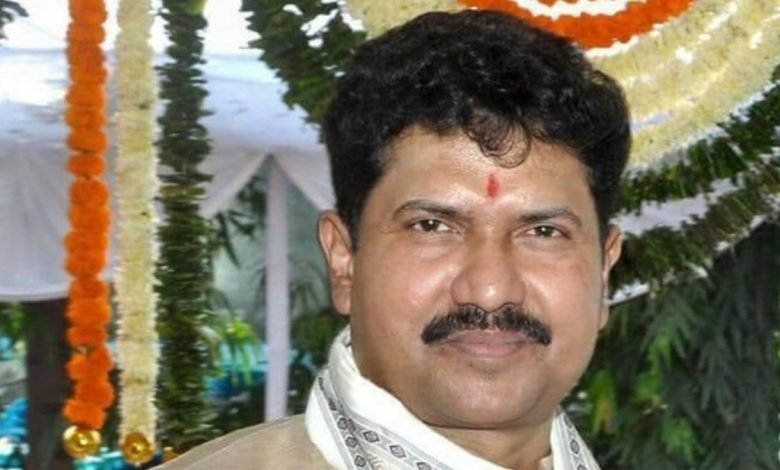 Maharashtra Home Minister condoles demise of Dadra and Nagar Haveli MP