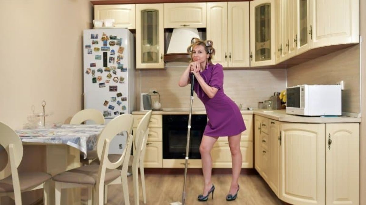 Engaging in household chores may improve brain health: Study