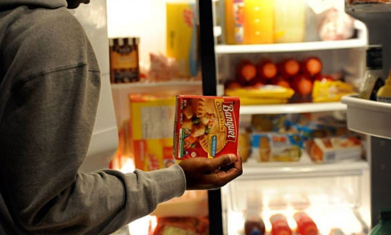 Late-night snacks may affect workplace performance: Study