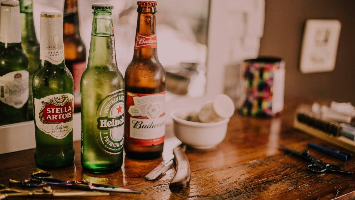 alcohol consumption may lower down the stress signals in brain