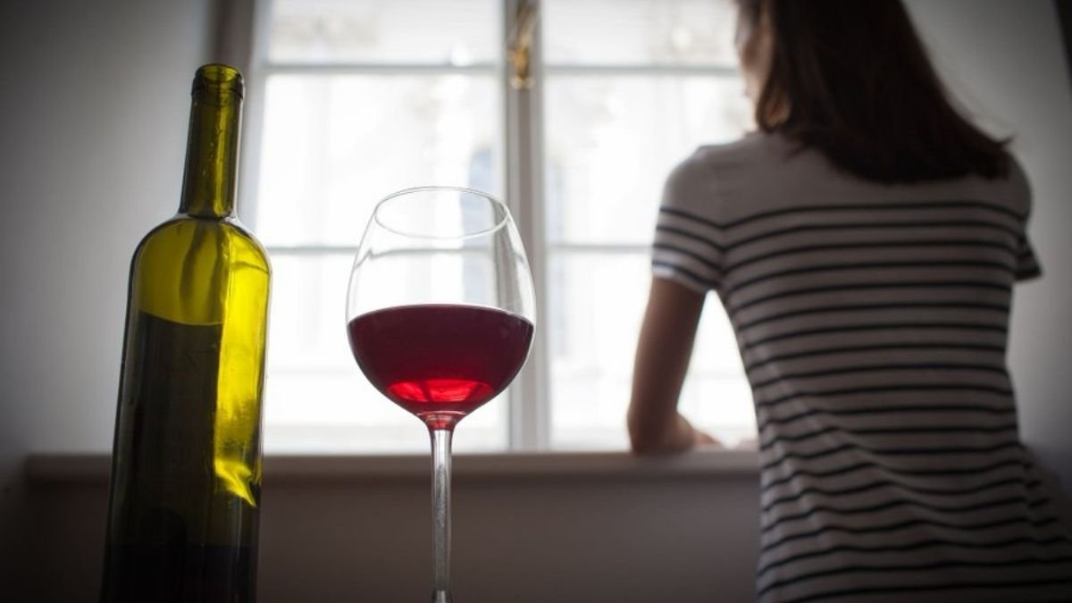 Moderate alcohol consumption may lower down the stress signals in brain
