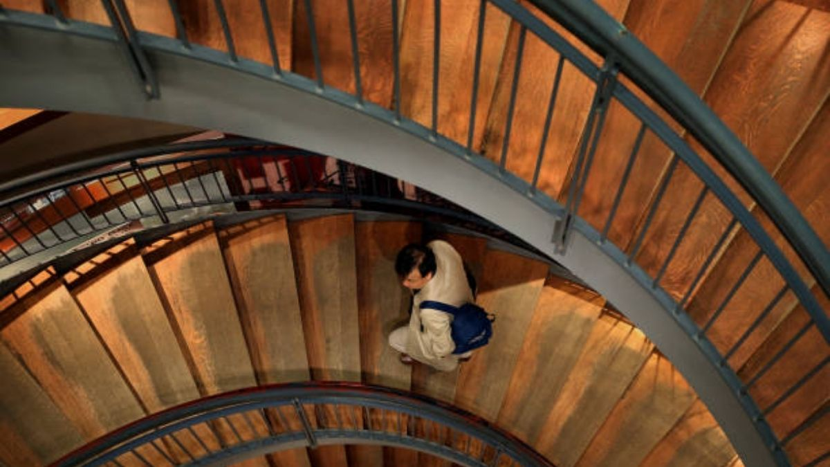 The study suggests stair climbing offers cardiovascular, muscular benefits for heart patients