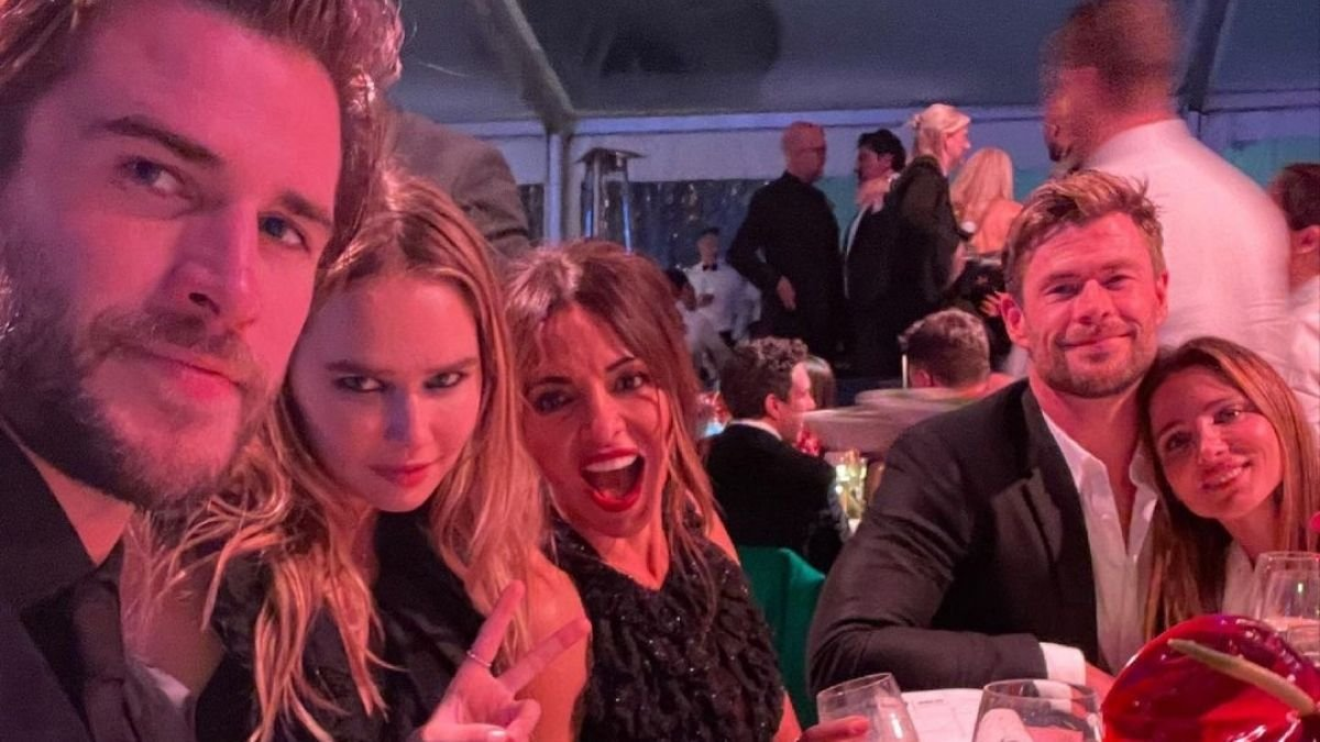 Liam Hemsworth, Gabriella Brooks make first official appearance as a couple (2)