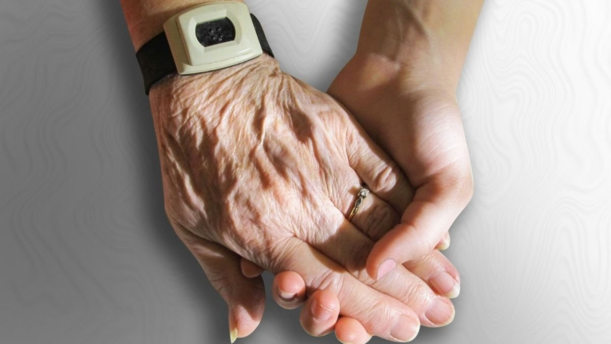 Study says scientists need to rethink which genes linked to ageing process (2)