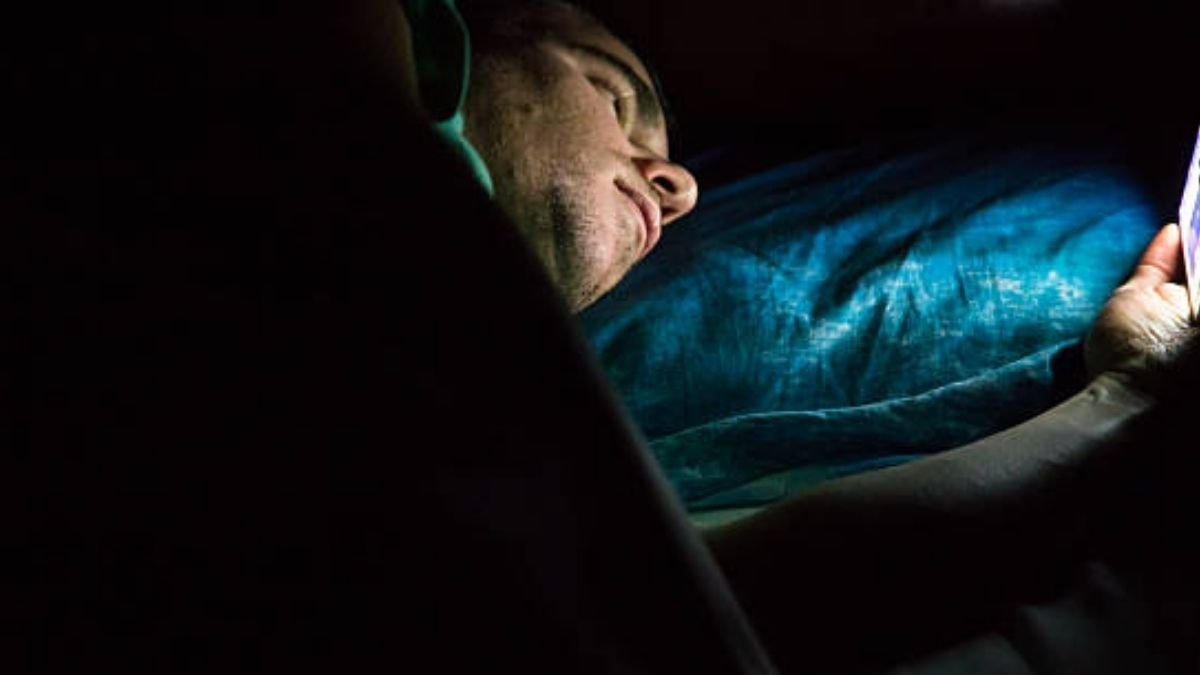 The study finds, COVID-19 pandemic led to increased screen time, more sleep problems