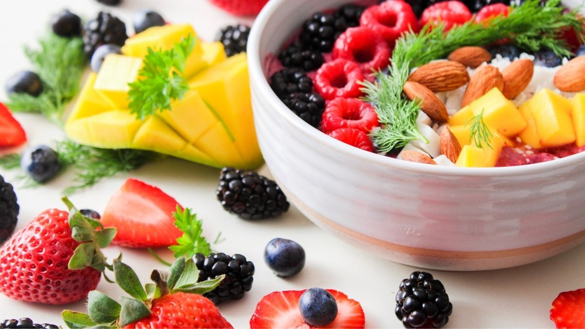 Womens mental health has higher association with dietary factors (1)