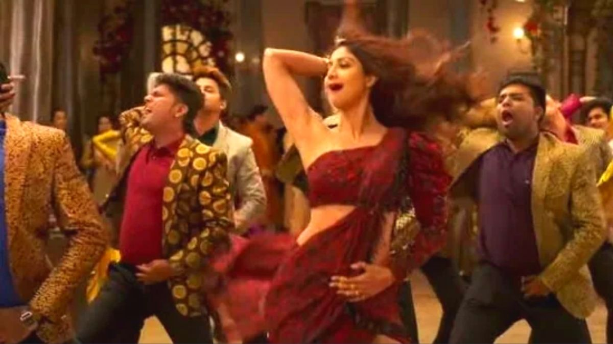 Shilpa Shetty gives a glimpse of her hit song Churake Dil Mera