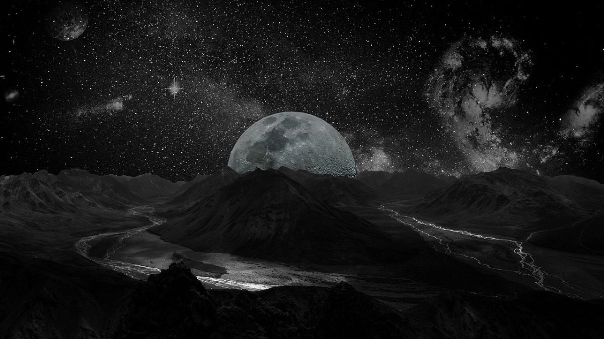 Moon - Planets - Solar System
