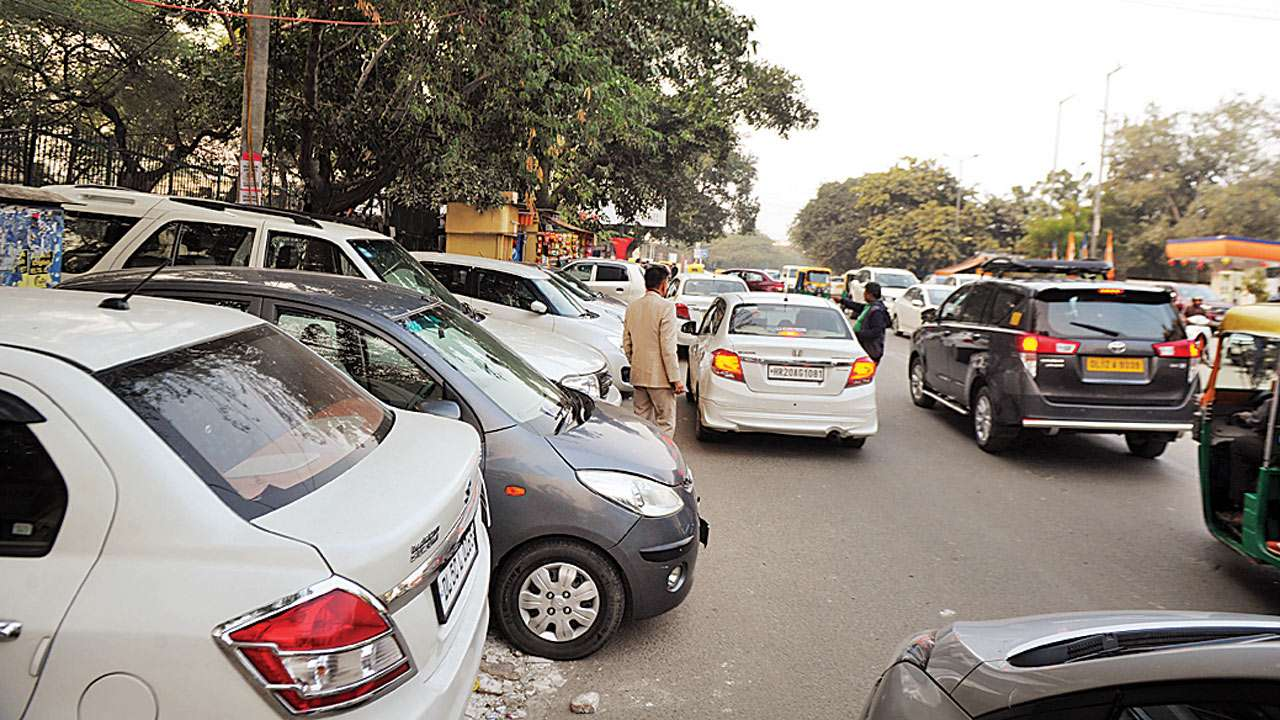 Mumbai: High Court says family with one flat cannot have 4-5 cars on parking space scarcity issue