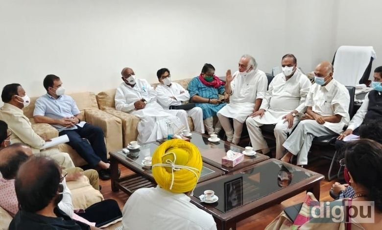 Rahul Gandhi among opposition leaders chalk out strategy in Mallikarjun Kharge's office
