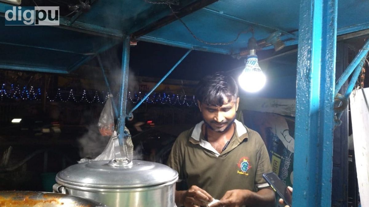 Commercial gas price hike aids sustainability issue of Kolkata's small food business
