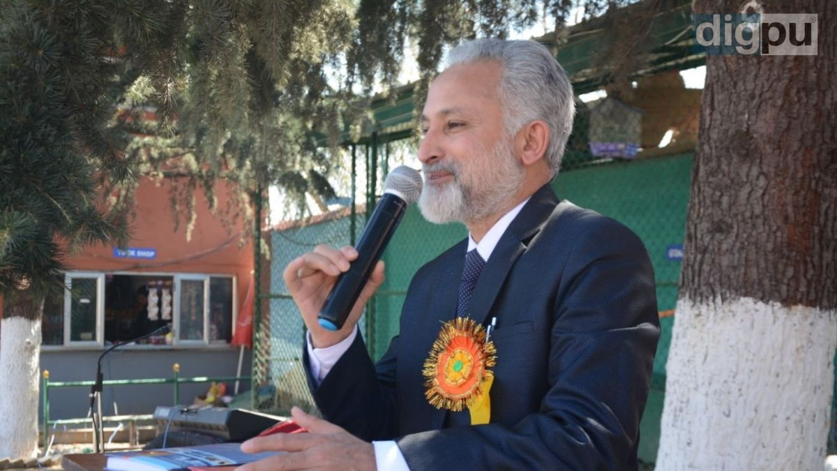 President, Private Schools Association Kashmir speaking during a school event