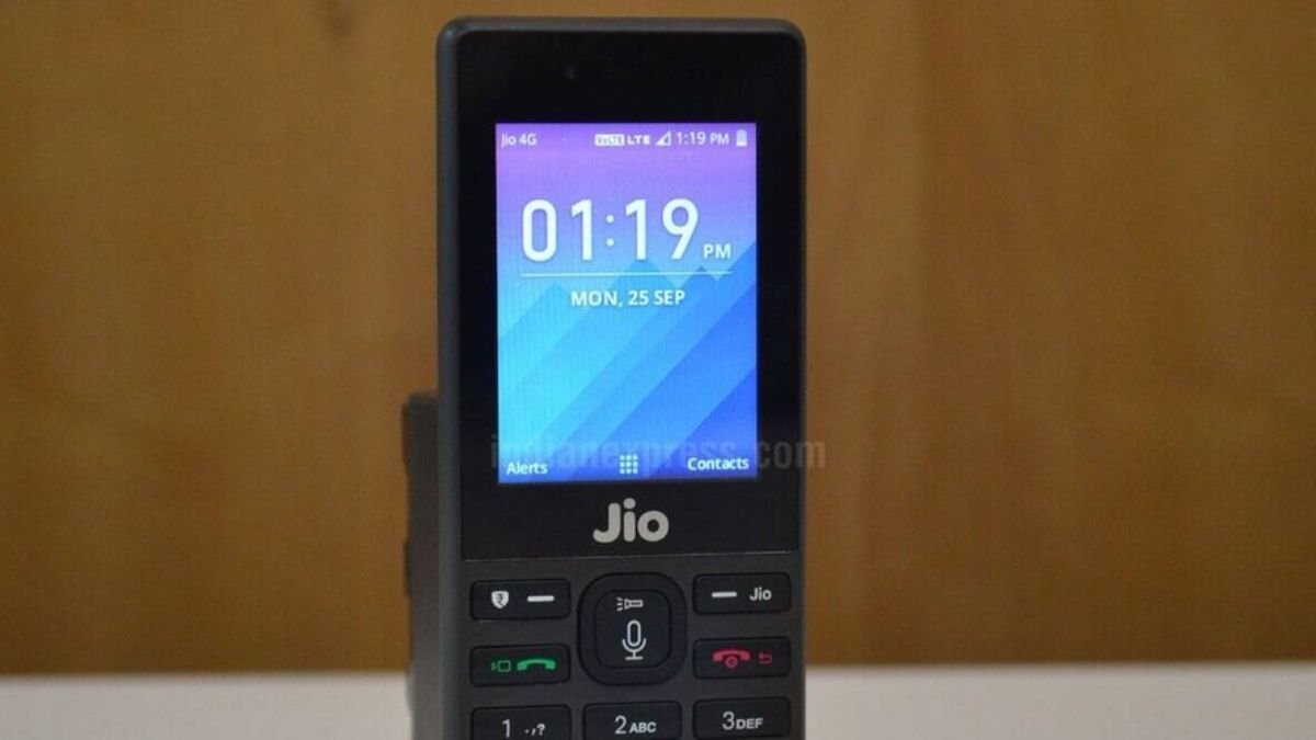 Reliance Jio to provide 300 free minutes of outgoing calls per month to its JioPhone users