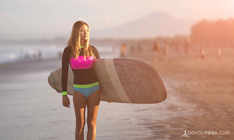 10 Reasons To Try Stand Up Paddleboard Yoga