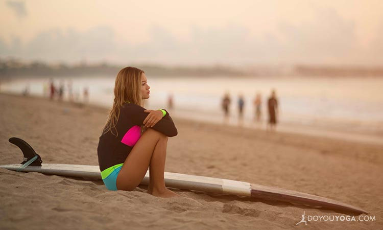 5 Ways To Lose Your Balance And Find Your Center In SUP Yoga