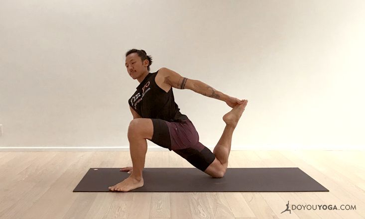 5 Yoga Poses to Strengthen and Stretch the Psoas