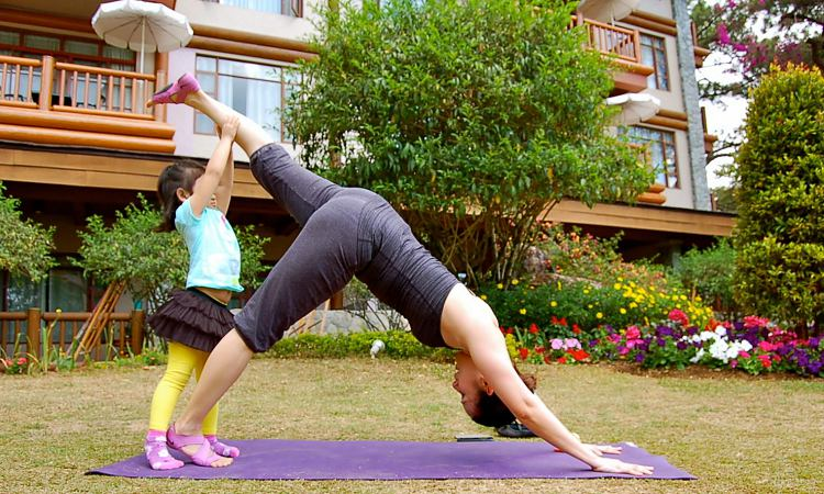 How To Introduce Yoga To Your Kids