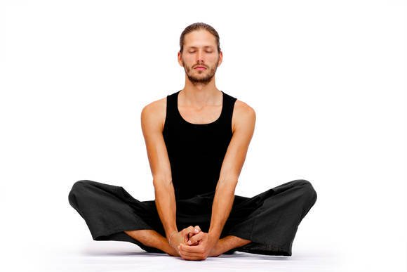 Mens Yoga Pants: An Essential Item for a Comfortable Yoga Workout