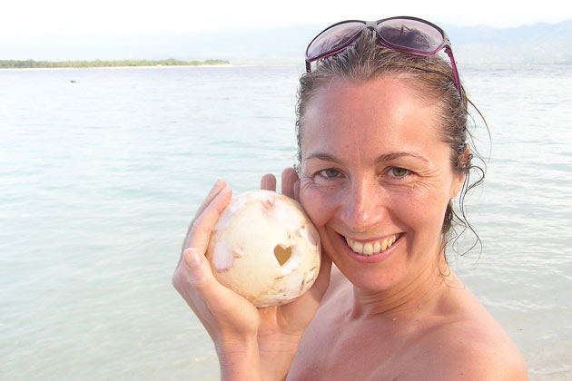 Why We Travel for Yoga – Q&A With Diana Holl