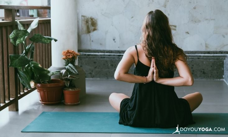 Five Practical Reasons to Practice Yoga During Pregnancy