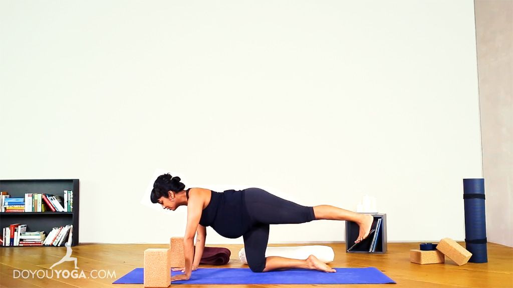 Full Prenatal Practice to Ease the Back and Hips