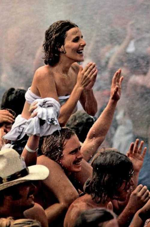 Photos-of-Life-at-Woodstock-1969-25