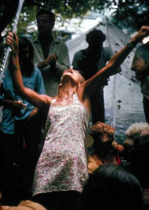 Photos-of-Life-at-Woodstock-1969-35