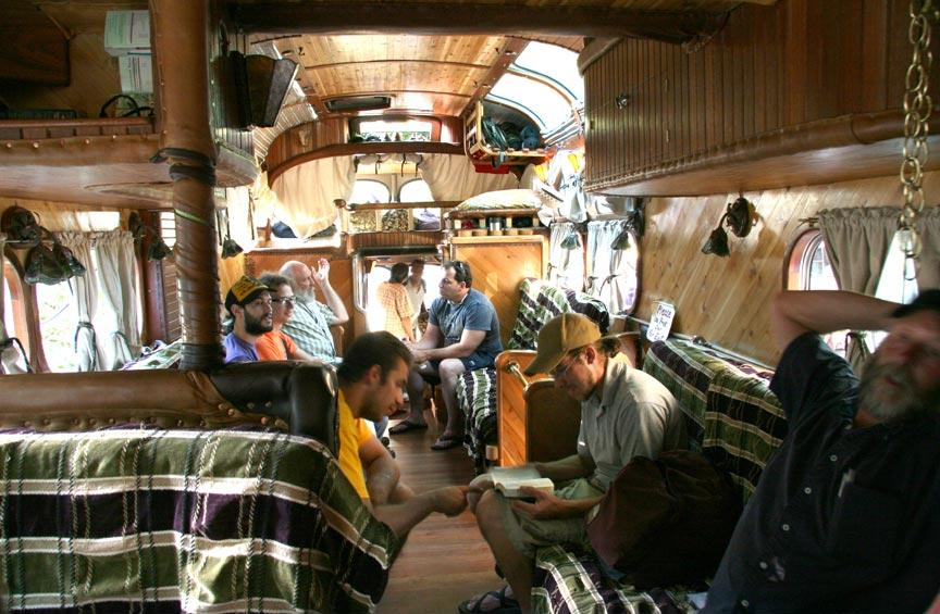 peacemaker_bus_from_outside_and_inside_7