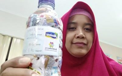 Heni ecobricked 200 g of plastic in Semarang, Indonesia…