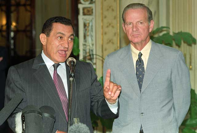 Egyptian President Hosni Mabarak and U.S. Secretary of State, James Baker speaking at a joint press conference in Cairo shortly after the Iraqi military invades Kuwait in August 1990. Ph. Norbert Schiller