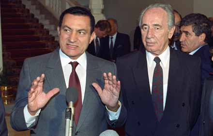 Mubarak holding a press conference with Israeli Foreign Minister Shimon Perez. 15th of  November 1993. Ph. Norbert Schiller