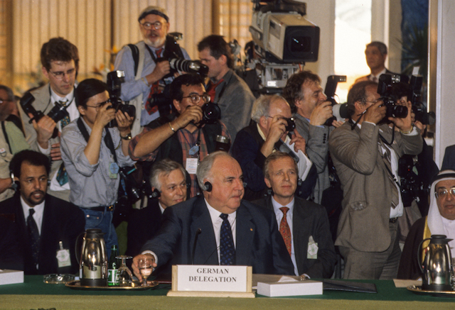 German Chancellor, Helmut Kohl attending the Summit of the Peacemakers, March 1996. Ph. Norbert Schiller