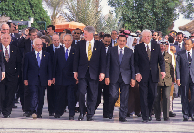 Twenty-nine world leaders gather at the Egyptian Red Sea resort of Sharm el Sheikh to attend the Summit of the Peacemakers, March 1996. Ph. Norbert Schiller