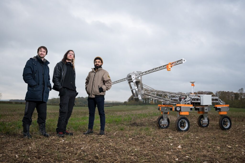 Greenfield weed control robot to avoid pesticides