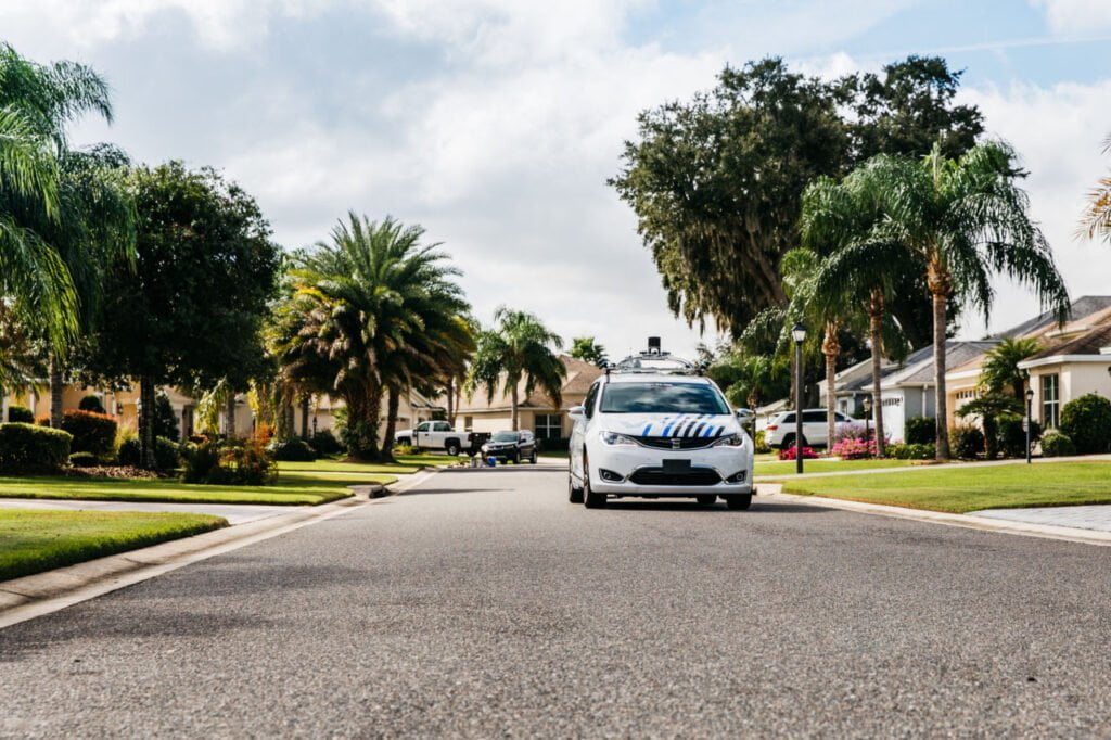 Voyage, drive the car remotely