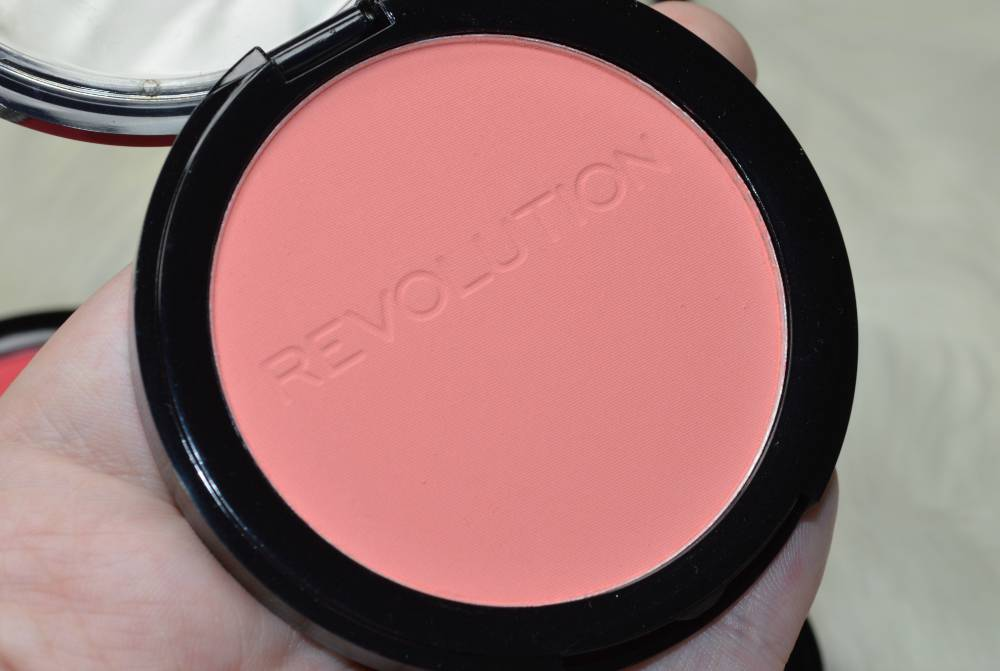 Makeup Revolution Matte Blusher Collection Review and Swatches (7)