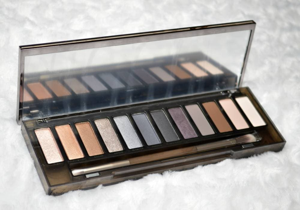 Urban Decay Naked Smoky Eyeshadow Palette