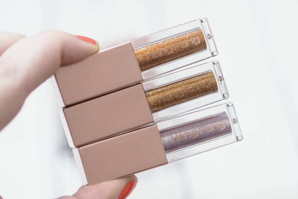 Review and Swatches of the Heng Fang Glitter Eyeshadows in six different shades from AliExpress. Stila Glitter and Glow Dupes for £1.50!