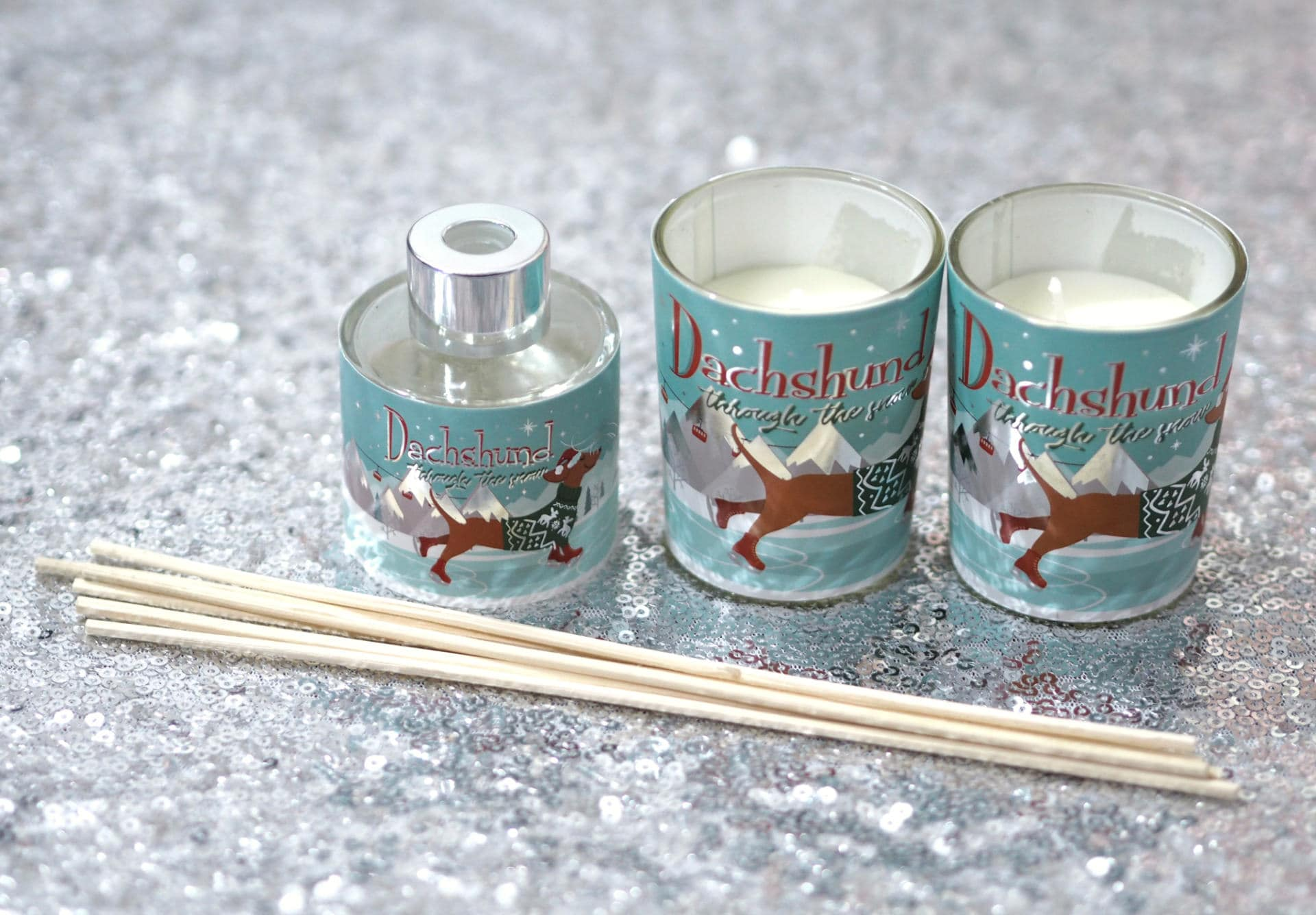 Christmas Stocking Filler Gift Guide 2019 - Christmas Dachshund Candle & Diffuser Set