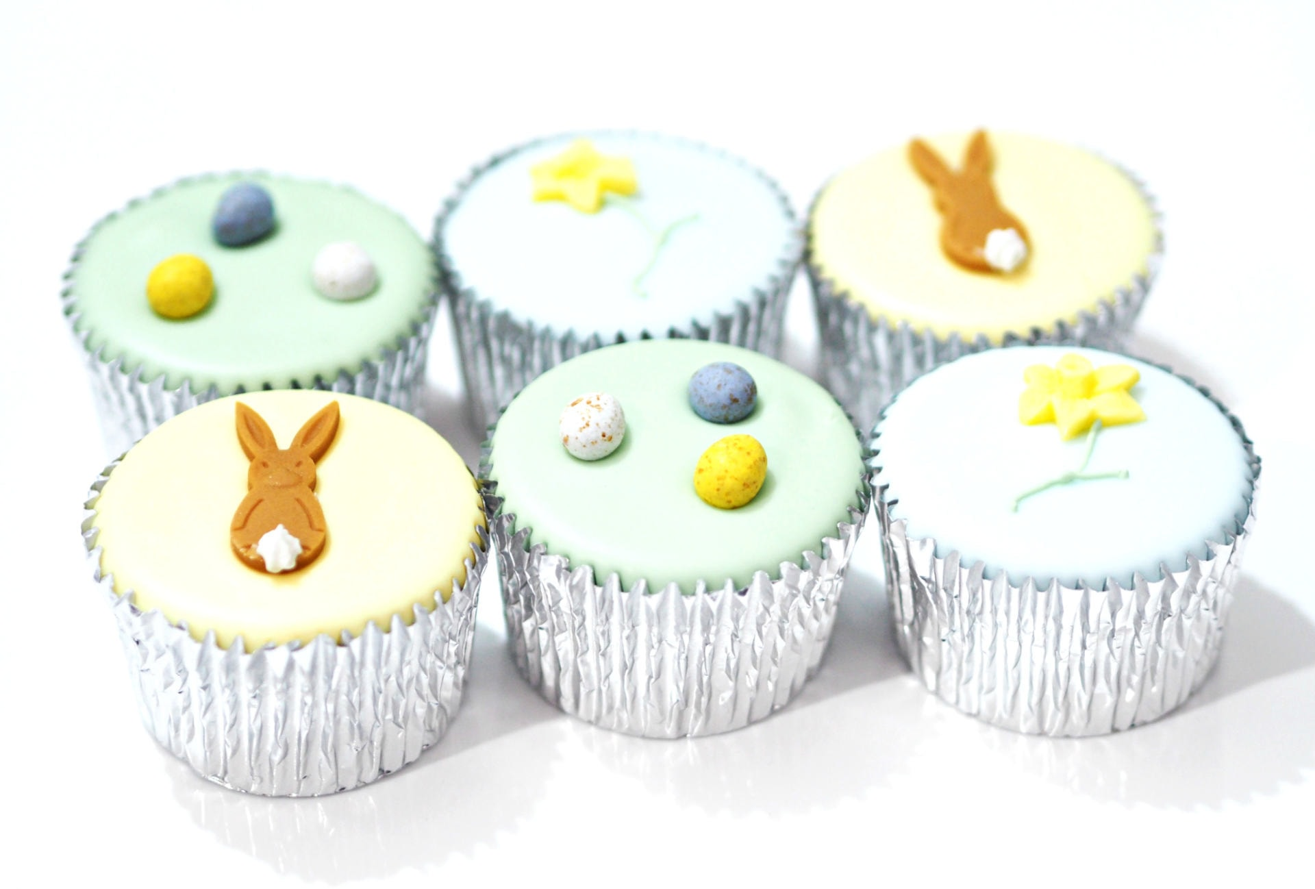 Fiona Cairns Easter Cake Collection