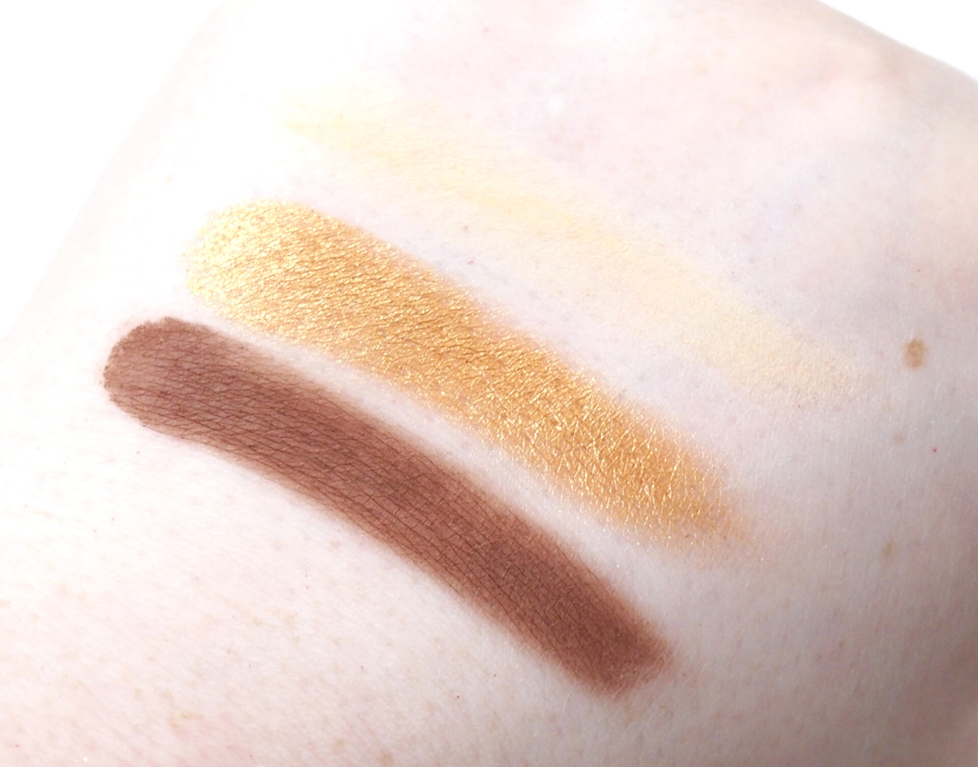 Huda Beauty Toffee Brown Obsessions Eyeshadow Palette Review Swatches