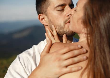 signs he is making love to you