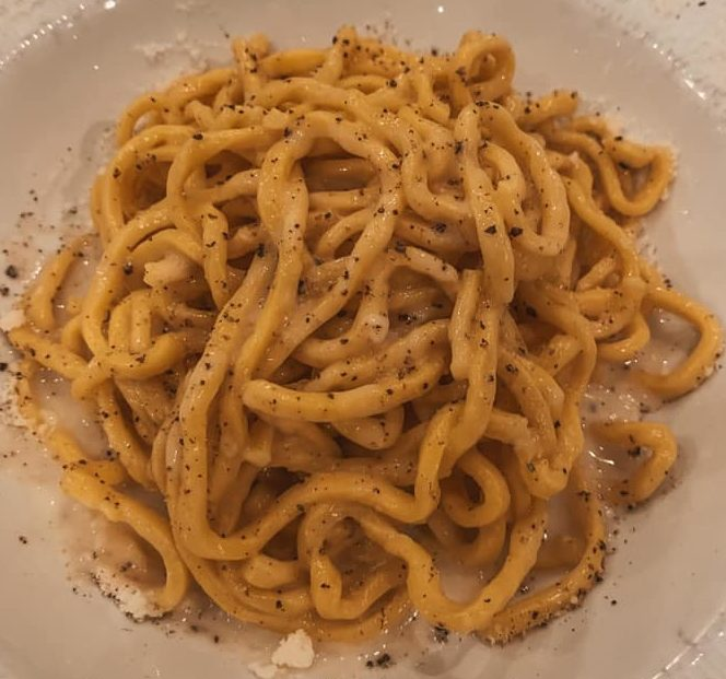 cacio e pepe, one of the most popular foods in Italy