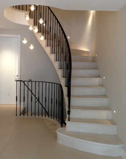 5. Moleanos cantilever stone staircase with metal balustrade and handrail – Surrey